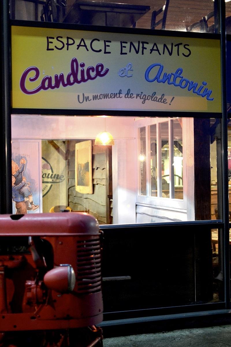 Candice et Antonin : Le coin des petits copains de Barnabé